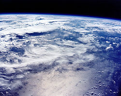 Ap 16 view of Earth prior to TLI.jpg