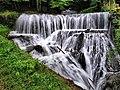 Arcier, la cascade de la source d'Arcier.jpg