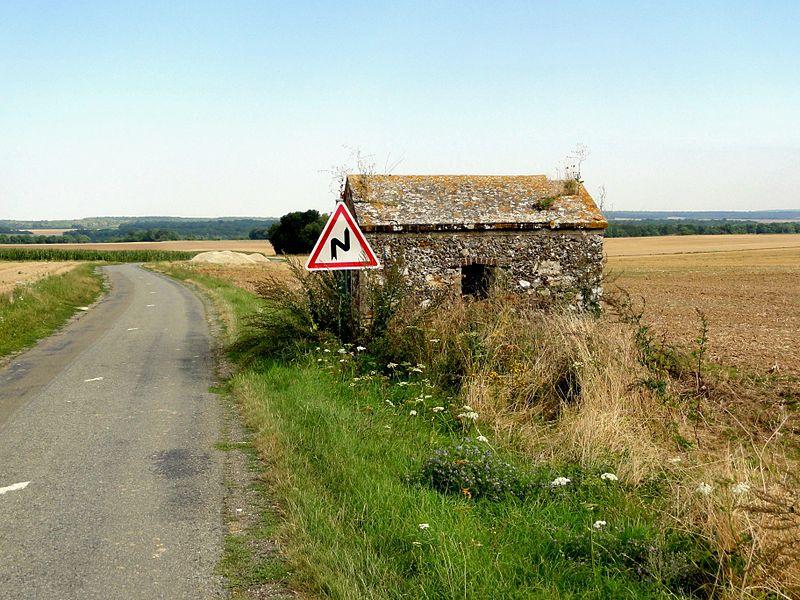 File:Arronville (95), RD 188 à l'ouest du village.jpg