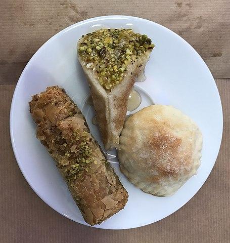 Fileassortiment De Gâteaux Libanaisjpg Wikimedia Commons