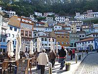 Asturias Cudillero casas escalonadas ni.jpg