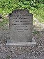 Auvers-sur-Oise (Val d'Oise) monument soldat tombé ici 1944.JPG
