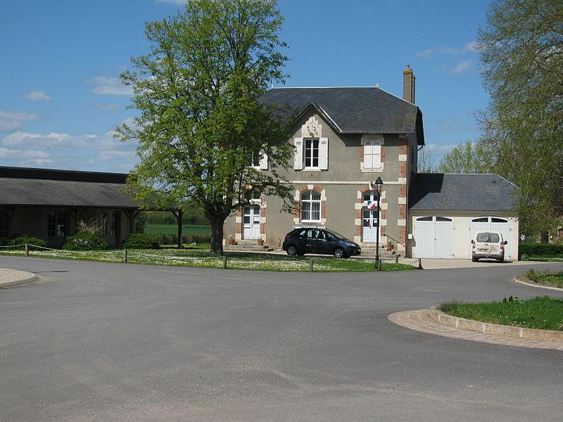 Mairie d'Avril-sur-Loire, Nièvre, France.