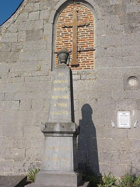 Bérelles (Nord, Fr) monument aux morts