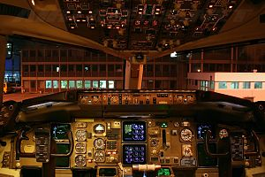 B757-330 flight deck.jpg