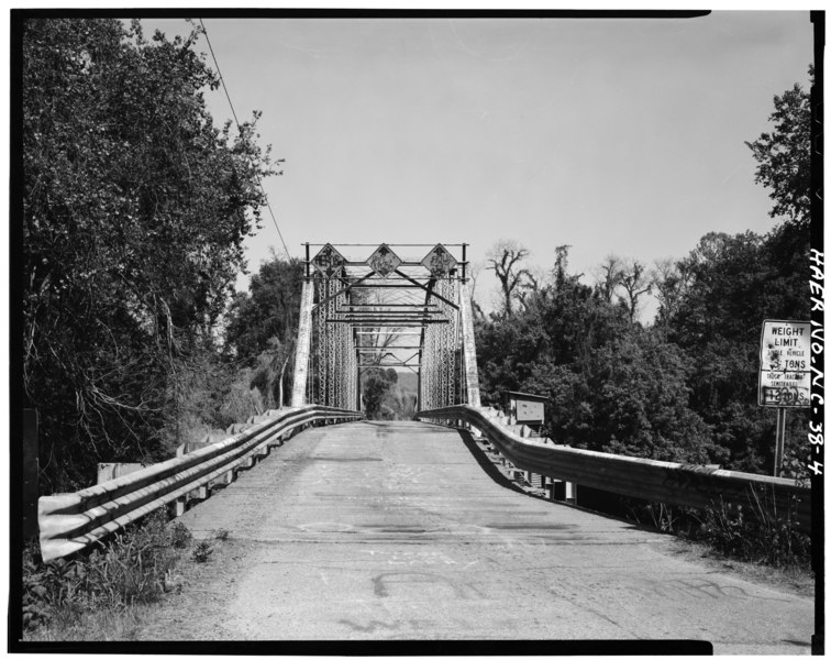 File:BARREL VIEW OF BRIDGE, FROM SOUTHWEST - Berry Hill Bridge, Spanning Dan River at State Route 1761 (VA State Route 880), Eden, Rockingham County, NC HAER NC,79-EDEN.V,1-4.tif