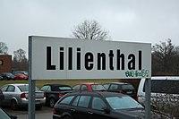 Bahnhofsschild Lilienthal, ehemaliger Bahnhof der Kleinbahn Jan Reiners.jpg
