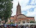 Basilique Saint Sernin jour de marché.jpg