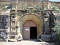 Bassoues (Gers) Basilique St.Fris, entrée.JPG