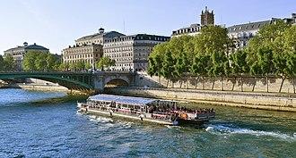 Bateaux Mouches - A Bateau Mouche excursion boat on the Seine near the Île de la Cité