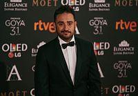 Bayona en la alfombra roja de los Premios Goya 2017.jpg