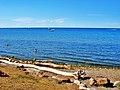 Beach at Ontario lake - panoramio.jpg