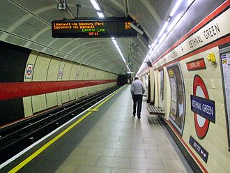 Bethnal Green tube station - Image: Bethnal Green stn eastbound look east