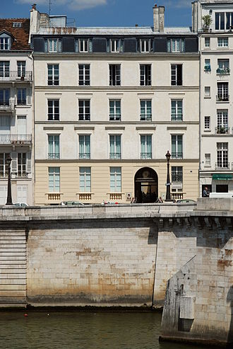 Historical and Literary Society - The Society shares its entrance with the Polish Library in Paris along the Quai d'Orleans