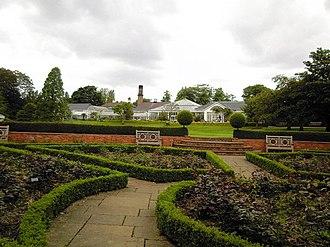 Birmingham Botanical Gardens - Image: Birmingham Botanical Gardens, rose garden. geograph.org.uk 835649