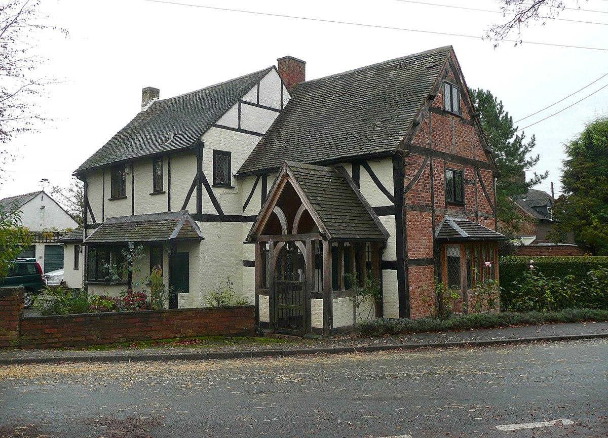 Black and White Cottage, Elford.jpg