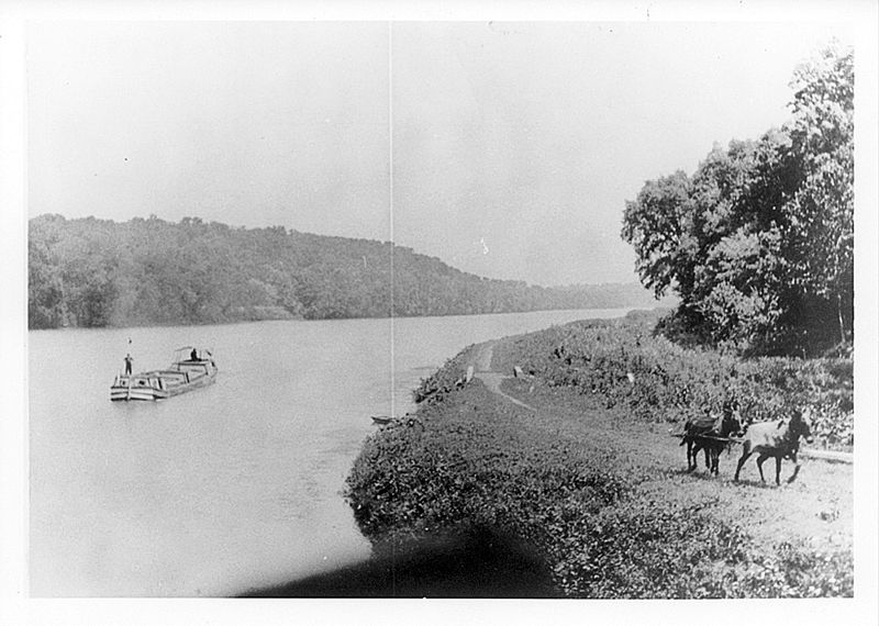 Boat at Big slackwater in C and O Canal.jpg