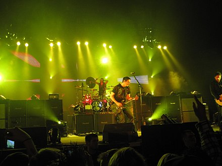 Breaking Benjamin performing in Fort Wayne, Indiana in January 2010. Breaking Benjamin 2010-01-30 Fort Wayne.JPG