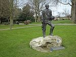 File:Brenchley Gardens 36th Engineer Statue 0120.JPG