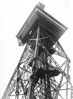 Funkturm Bundesarchiv, Bild 102-13435 / CC-BY-SA 3.0 [CC BY-SA 3.0 de (https://creativecommons.org/licenses/by-sa/3.0/de/deed.en)], via Wikimedia Commons