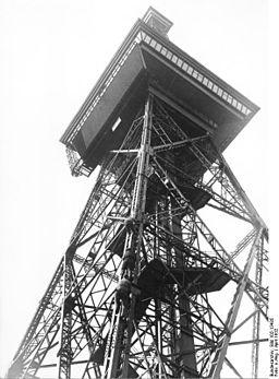 Funkturm Bundesarchiv, Bild 102-13435 / CC-BY-SA 3.0 [CC BY-SA 3.0 de (https://creativecommons.org/licenses/by-sa/3.0/de/deed.en)], via Wikimedia Commons