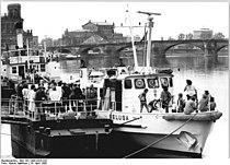Bundesarchiv Bild 183-1990-0418-032, Dresden, Forschungsschiff.jpg
