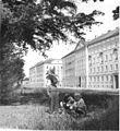 Bundesarchiv Bild 183-31322-0011, Dessau, Friedensplatz, Neubauten.jpg