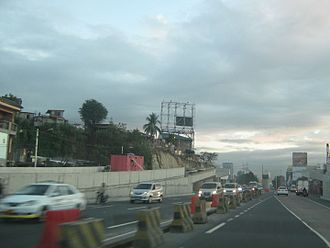 Circumferential Road 5 - The unfinished northern section of the C-5 Kalayaan elevated U-turn slot in March 2009, about two months before its completion.
