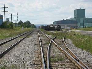 Parkdale Avenue (Hamilton, Ontario) - CN Railway tracks, CN Metals Distribution Centre in background