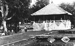 Klungkung Palace - The assembly hall at the palace, 1930's