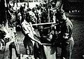COLLECTIE TROPENMUSEUM Nederlandse militairen bij het verzamelen van koffiebonen die zijn geoogst in de omgeving van Tegaron TMnr 60053789.jpg