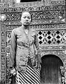 COLLECTIE TROPENMUSEUM Portret van een Javaanse vrouw uit Solok TMnr 10005043.jpg