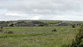 Cahercommaun - Inner and outer wall of Cahercommaun ringfort