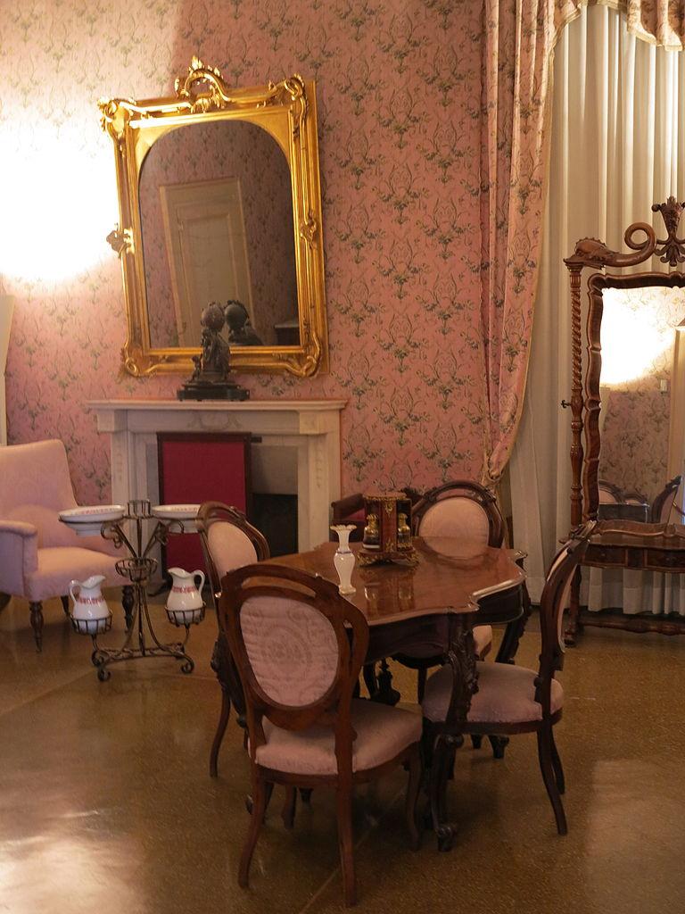 File camera da letto di rosa vercellana 4 jpg wikimedia for 4 piani di camera da letto