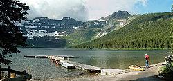 Lago Cameron no Parque Nacional Lagos Waterton.