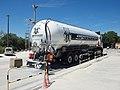 Camion citerne pulvé à Spataro-02.jpg