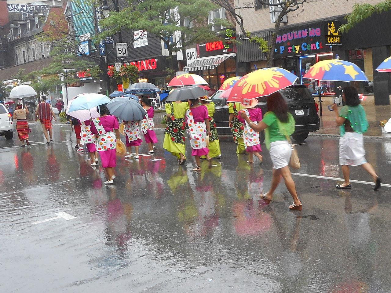 File:Canada Day 2015 on Saint Catherine Street - 261a.jpg - Wikimedia