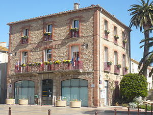 Canet-en-Roussillon - The town hall.