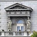 Caryatids, Stari dvor, Belgrade.jpg