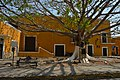 Casa en Izamal, Yucatán. - panoramio.jpg
