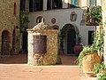 Castello di Tignano 02.jpg