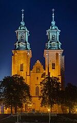 Catedral de Gniezno, Gniezno, Polonia, 2014-09-20, DD 45-47 HDR.jpg