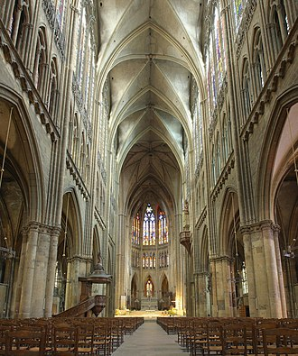 Moselle (department) - Image: Cathedrale Metz Nef pano