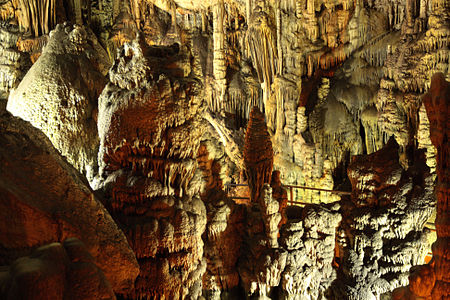Cave Dikti04(js).jpg