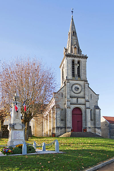 Church and war memorial of Chaignay