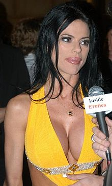 Chanel St James at the 2007 XBiz Awards 22.jpg