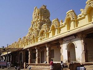 Cheluvanarayana Swamy Temple - Image: Cheluvanarayana Swamy Temple 2