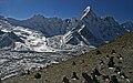 Chhukung Ri-192-Ama Dablam mit Gletscher-2007-gje.jpg