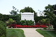 Civil War Unknowns Memorial - looking E - Arlington National Cemetery - 2011.JPG