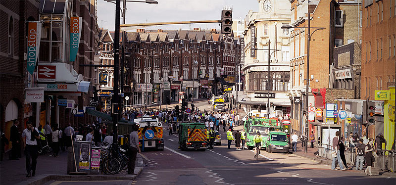 File:Clean-up in Clapham after 2011 riots.jpg